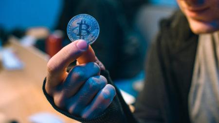 Kurs Bitcoina dochodzi do 10 000 USD i już niewiele brakuje